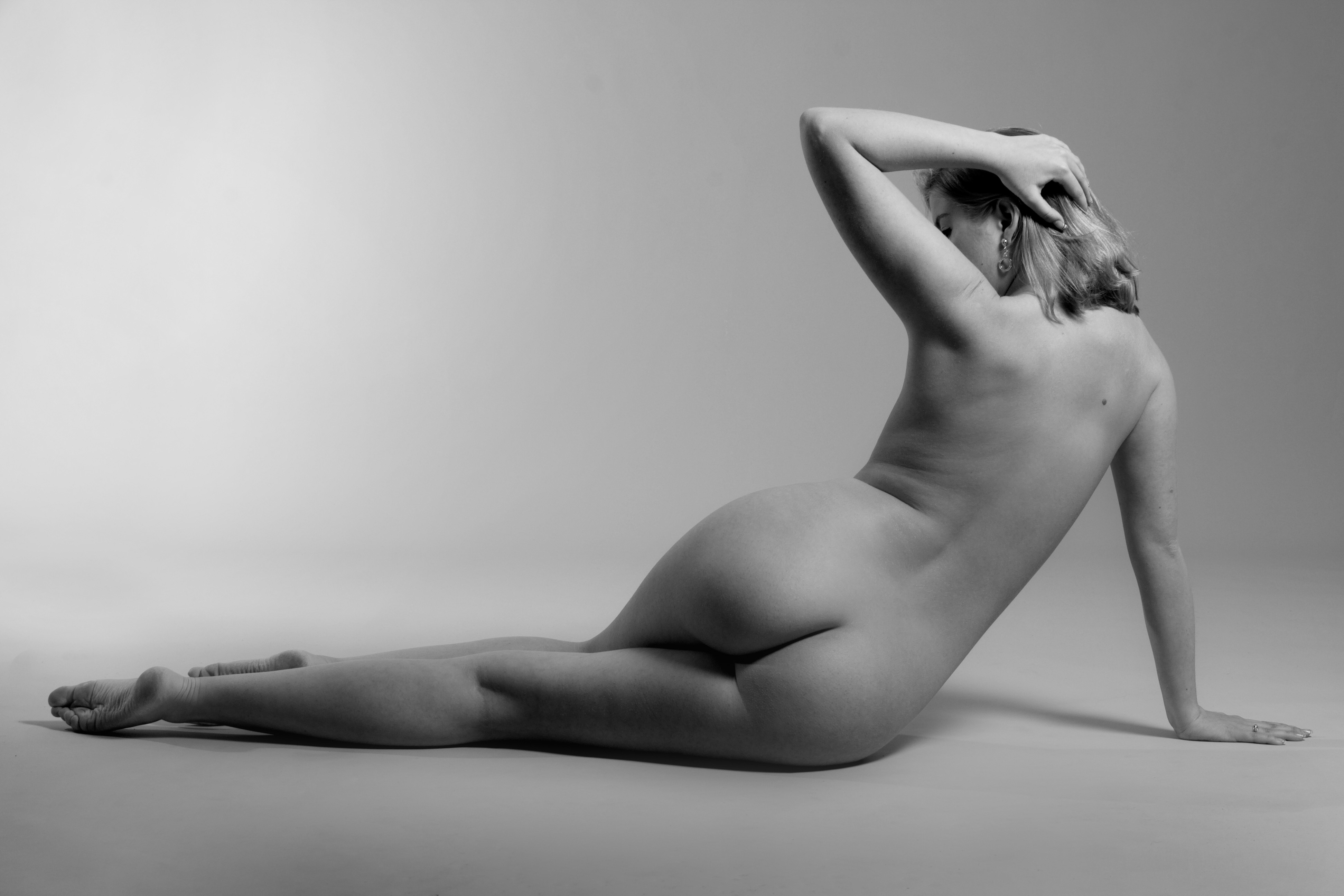 petite-nude-still-life-models-duff-naked-images